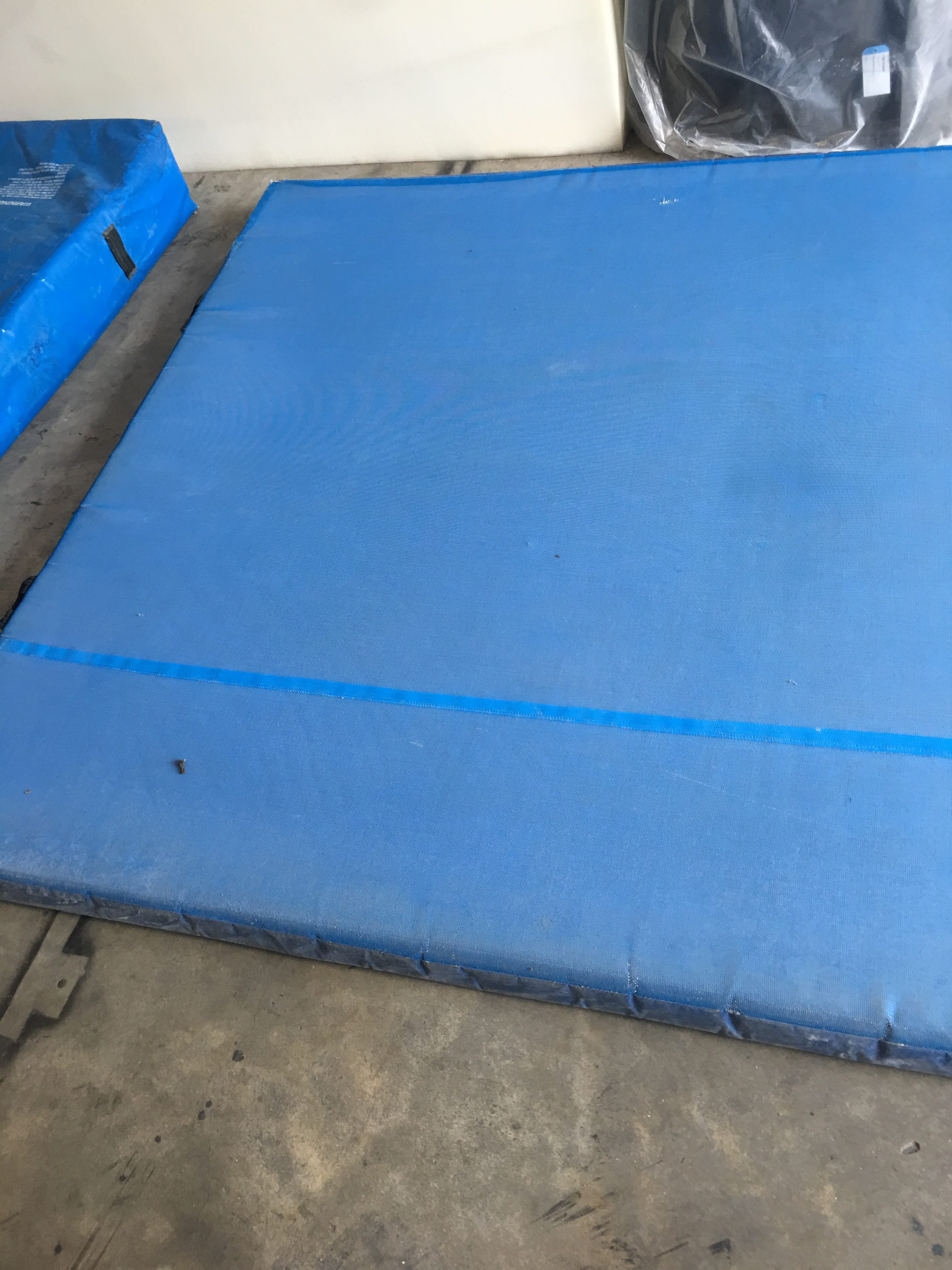 Used 7x10 Throw Mat Ross Athletic Supply